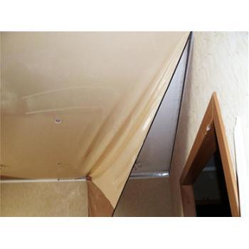 Замена натяжного потолка